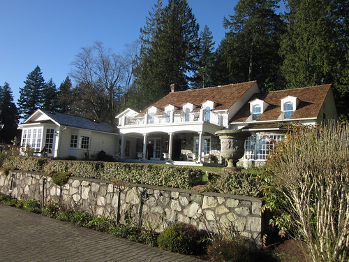 Rowena's Inn on the River (Harrison Mills, BC)