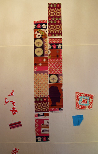 layout patchwork pieces to come up with a good layout