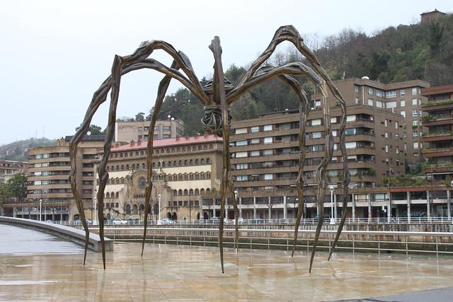 "La araña del Guggenheim "" Mamá """