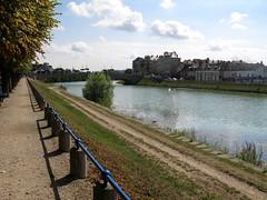 Château-Thierry (berge et pont) 1 - Photo of Crézancy