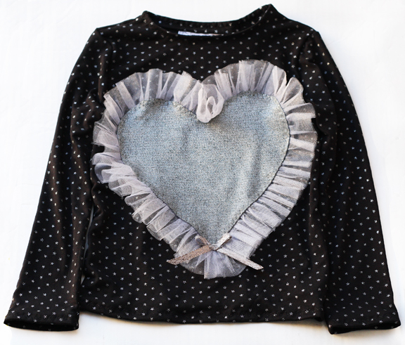 tee with silver heart and stars