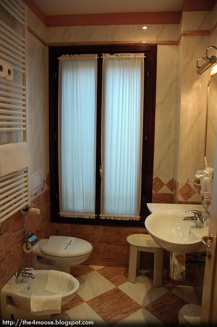 Ca' Dogaressa - Bathroom