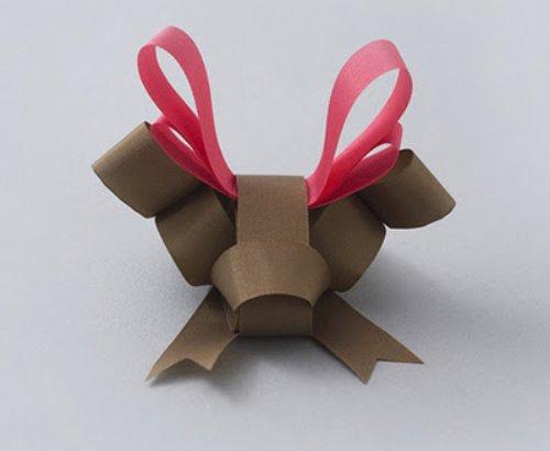 Ribbon reindeer