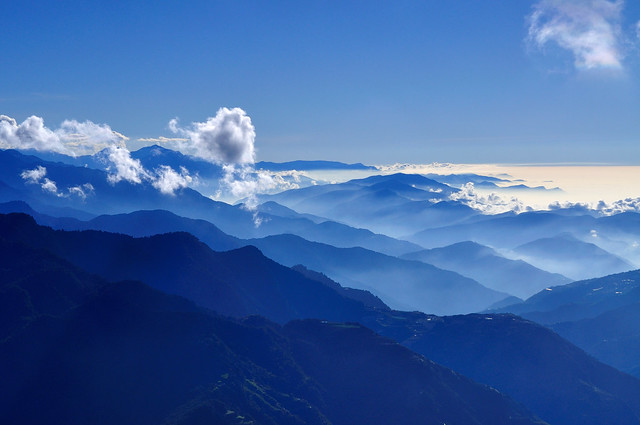 Blue Layers @ 合歡山