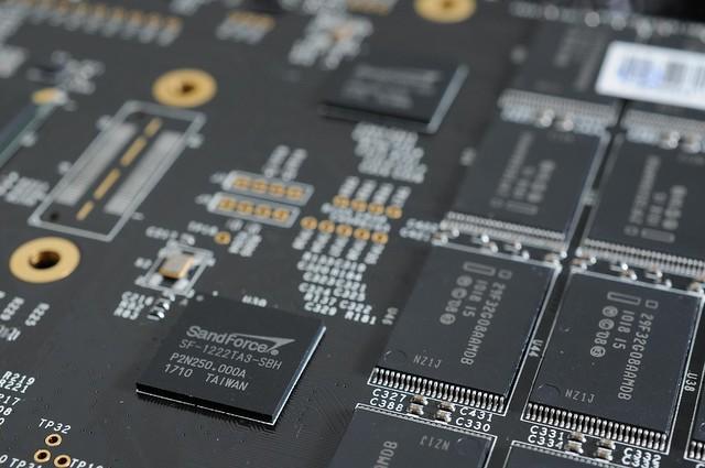 20111213 OCZ RevoDrive X4 120GB SSD