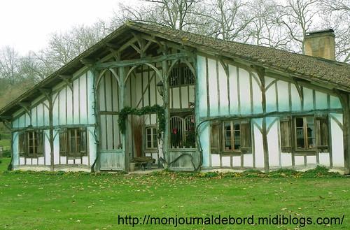 Maison Typique Landes 01