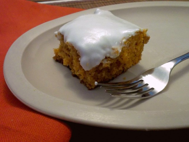 I can't believe it's not pumpkin (or carrot) cake! (Tomato Soup Cake)
