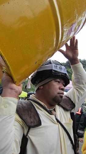 去年底達悟族人到總統府前抗議,要求為族人全面健檢,卻未得正面回應。(攝影:林瑞珠)