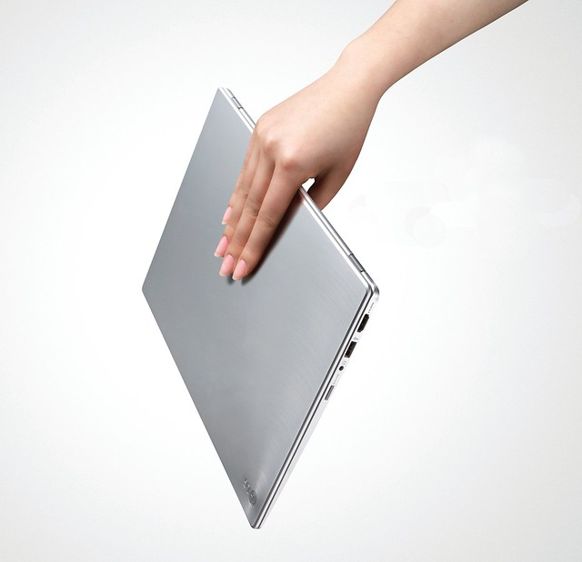 LG Super Ultrabook Series Z330