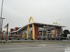 McDonald's St. Pieters Leeuw Bergensesteenweg 65 (Belgium)