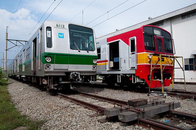 東京メトロ千代田線6000系 6112FとJR東日本203系 マト69編成