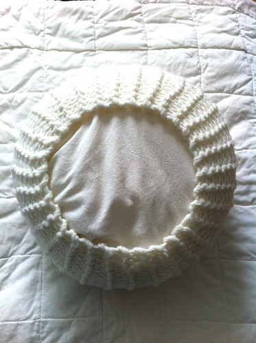 Make a knitted pouf in 2 seconds (2)