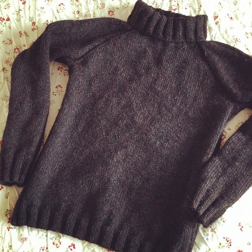 Man's sweater. Not man sweater. Took more than 4 weeks to complete. Now back to my selfish knitting :D