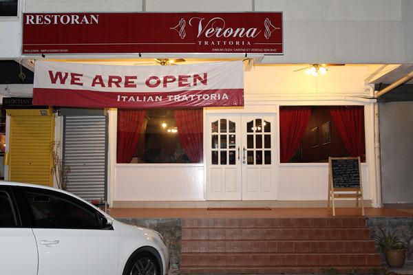 Verona-Trattoria-Italian-Restaurant-Outside