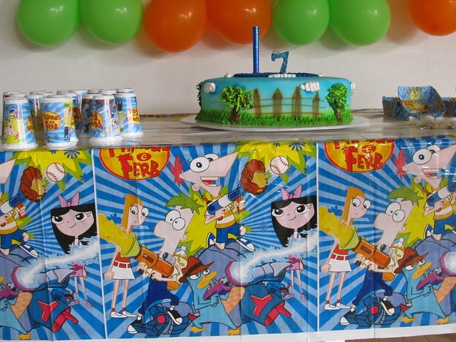 Decoración de fiestas infantiles finias y fer - Imagui