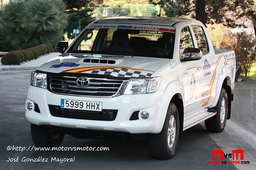 Toyota Hilux by Kobe Motor