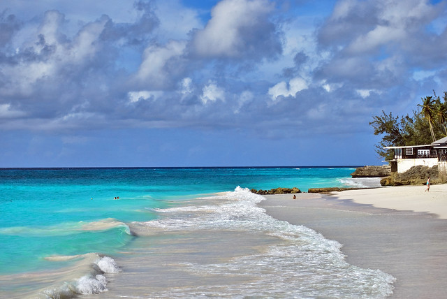 Beautiful beach in Barbados - Flickr CC ben124
