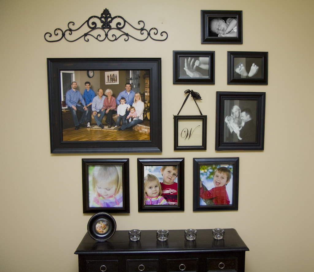 Wall Gallery family photographer