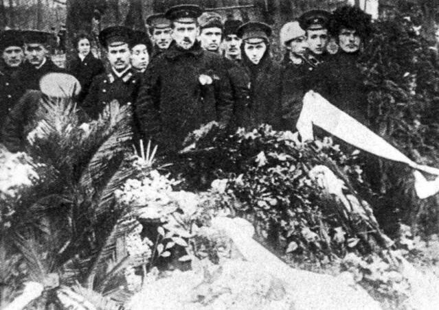 Похороны юнкеров