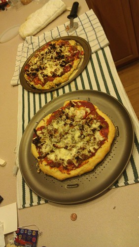 Cooking: Homemade pizza by dharder9475