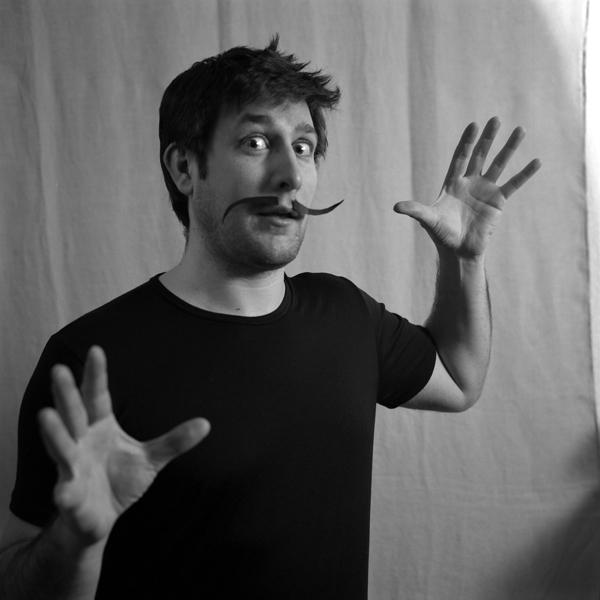 > moustache:(n.f) Poils qui recouvrent la lèvre supérieure. 6803027425_9bcb6c29c9_o