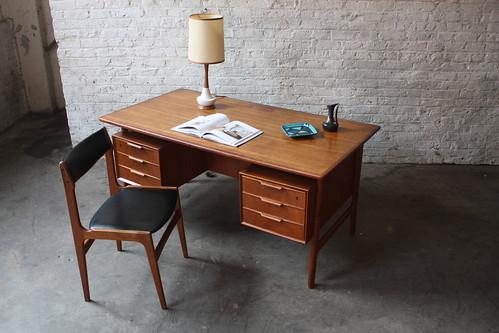 Majestic Gunni Omann Danish Modern Teak Desk #75 (Denmark, Omann Junn Mobelfabrik, 1955)