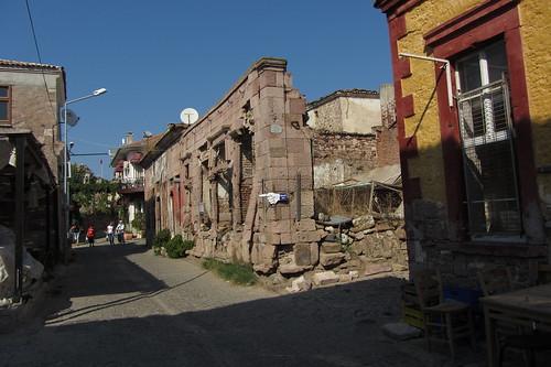 Burhaniye day 2 (Ayvalik): destroyed house