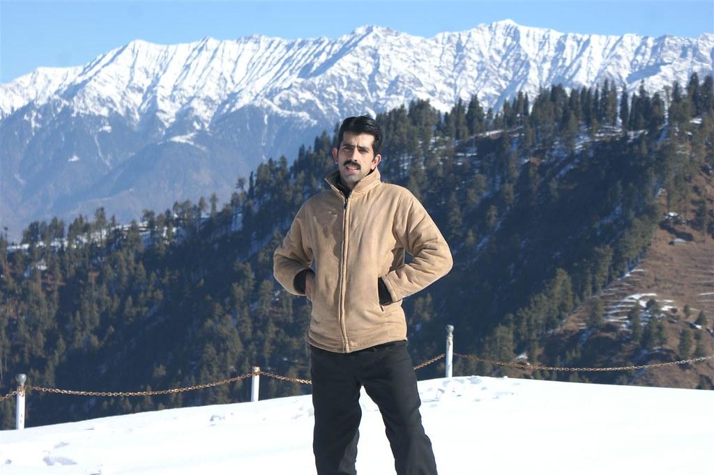 Muzaffarabad Jeep Club Snow Cross 2012 - 6816328875 bba699894a b