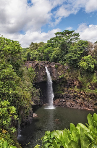 travel trees lake water pool river hawaii nikon tour foliage waterfalls southpacific hilo cascade 1224mm thebigisland wailuku rainbowfalls d90
