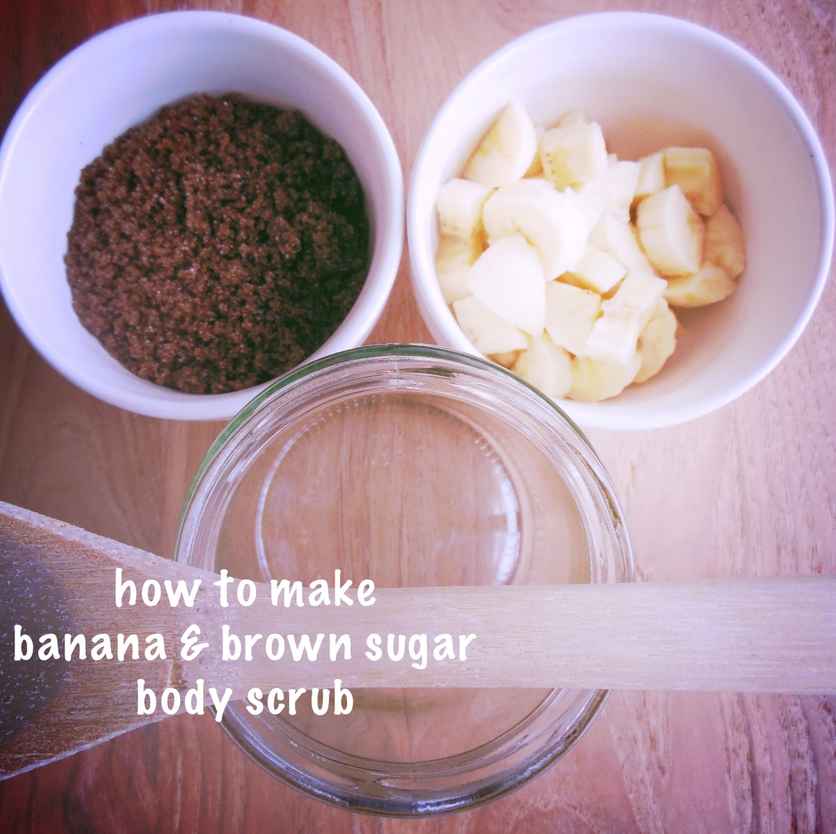 How to make banana and brown sugar body scrub