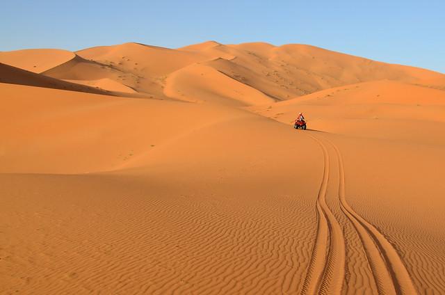 Ruta quad en por el desierto
