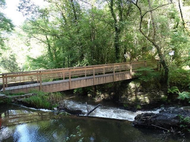 Puente en el río Mendo