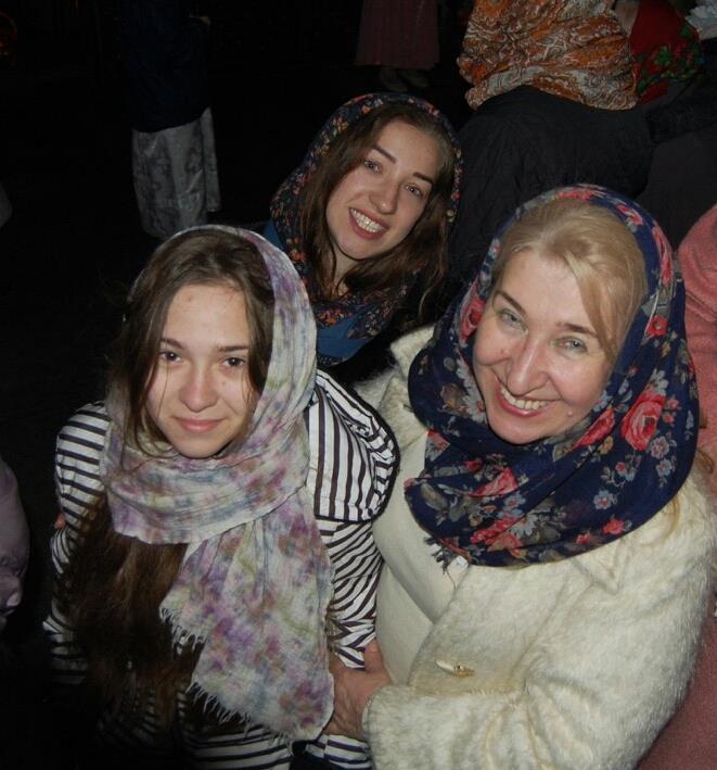 Лукянова з доньками Межирицький монастри