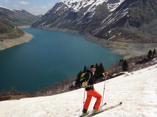 Ski au dessus du lac de Grand'Maison