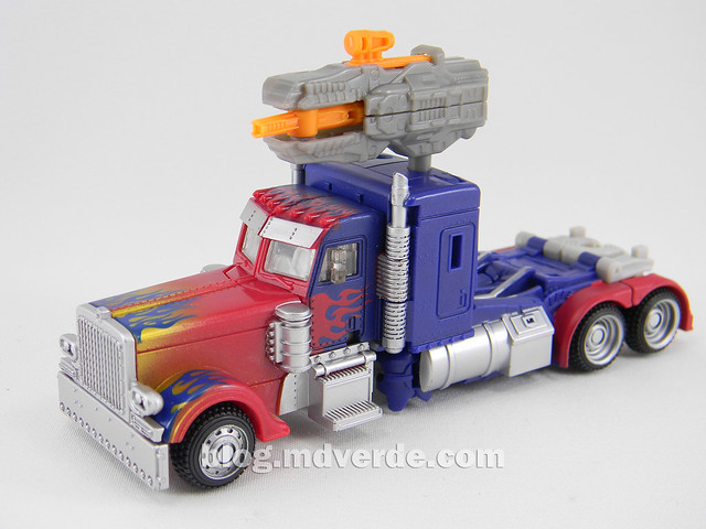 Transformers Optimus Prime DotM Deluxe - modo alterno