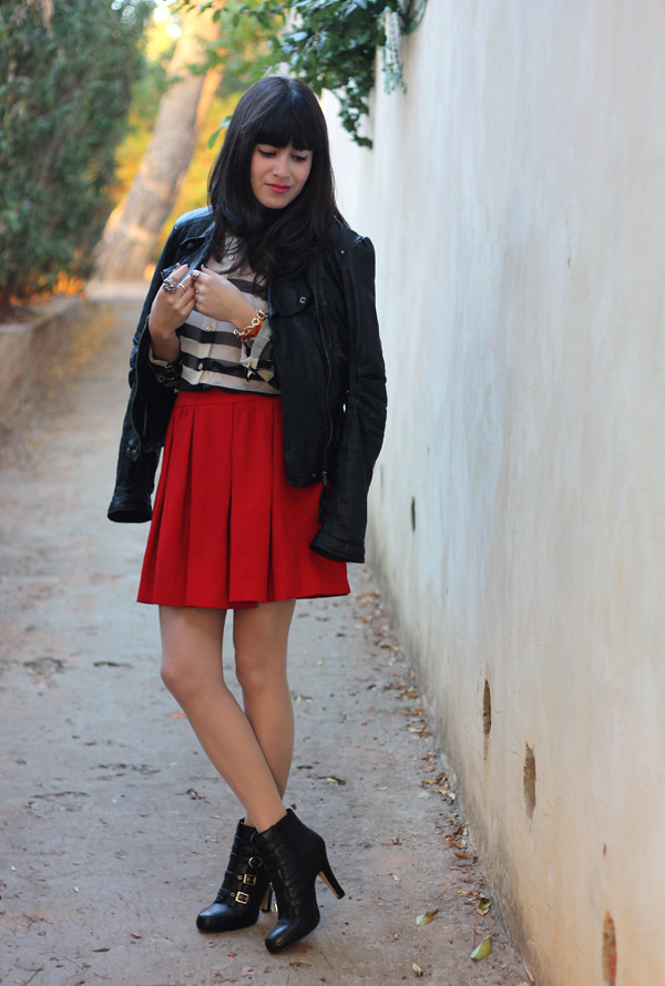 leather_jacket_pleated_skirt1