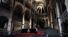 [Free Images] Architecture, Religious Buildings, Churchs / Catedrals, Christmas Tree, Indoor Space, Landscape - United Kingdom ID:201112282200