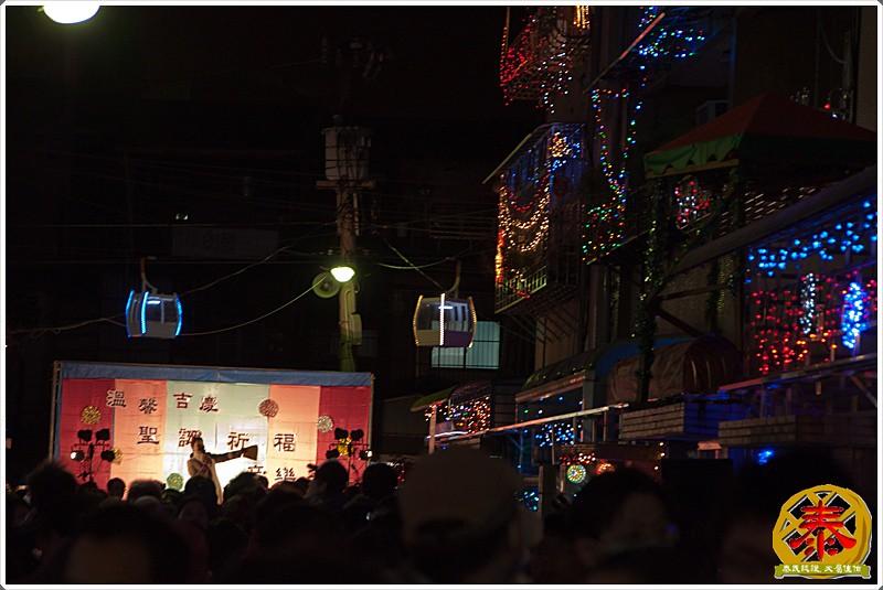 2011-12-24-聖誕巷插旗-16