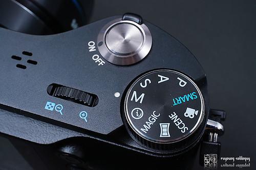 Samsung_NX200_exterior_10