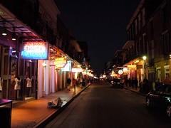 木, 2010-12-02 17:28 - 夕方のブルボン通り Bourbon Street, French Quarter, New Orleans