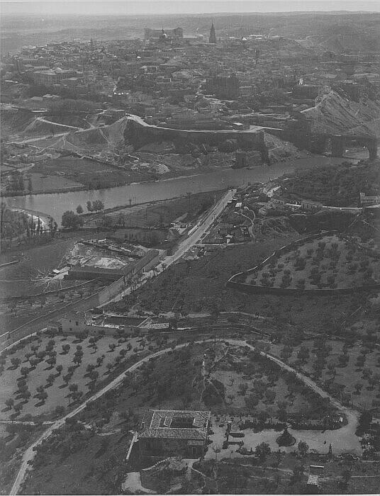 Carretera de Navalpino a mediados del siglo XX