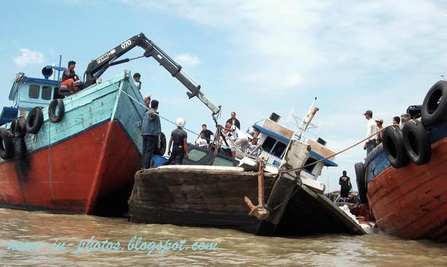 ship aground in karimun