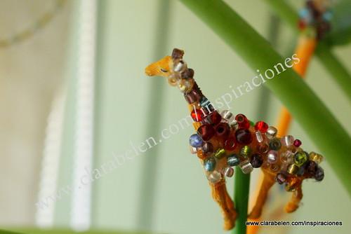 Manualidades. Reciclar juguetes para decorar y hacer adornos