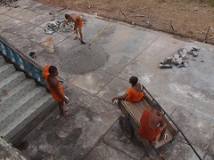 Buddhist monks on Koh Thrang (Kratie, Cambodia 2012)