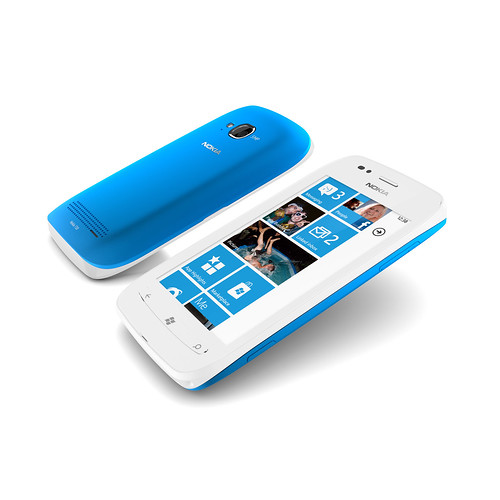 Nokia Lumia Cyan 710