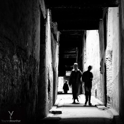 People walking in the narrow streets of Fes