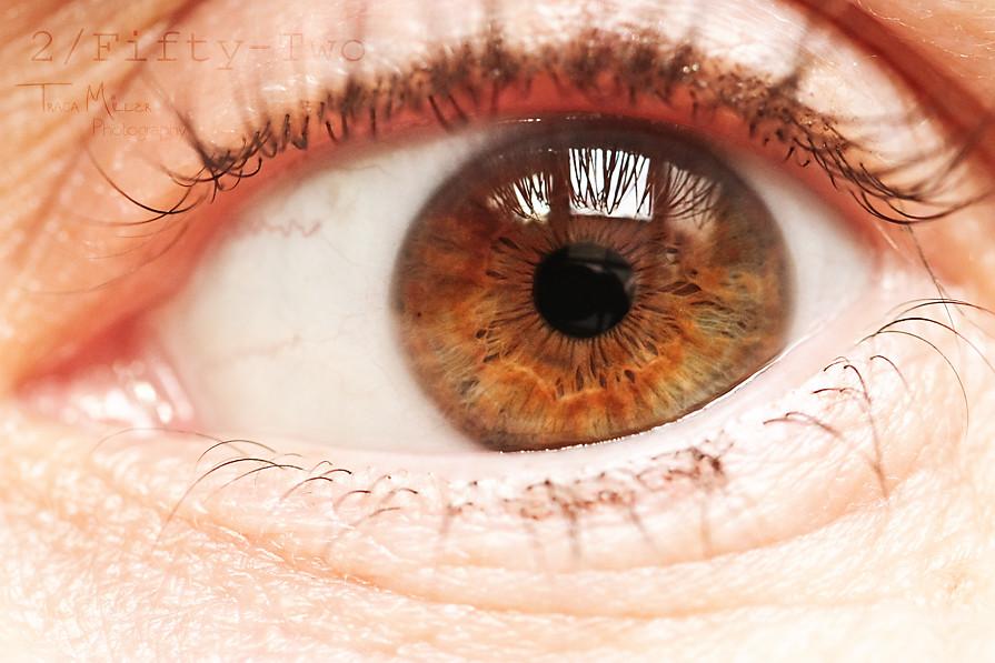 2_EyeSelfie