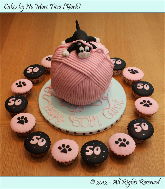 Pawprint Cupcake Cake