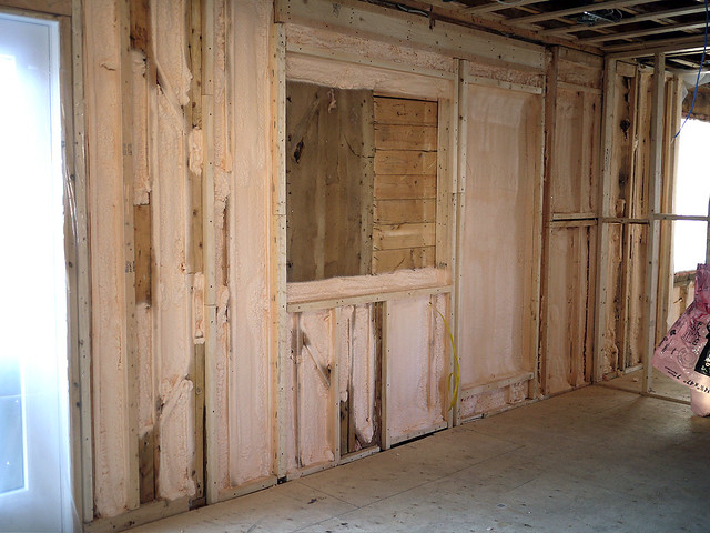 spray insulation wall