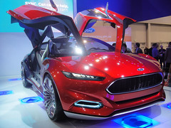 model car(0.0), automobile(1.0), automotive exterior(1.0), exhibition(1.0), vehicle(1.0), automotive design(1.0), auto show(1.0), ford motor company(1.0), bumper(1.0), ford(1.0), concept car(1.0), land vehicle(1.0), motor vehicle(1.0),